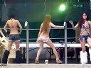 泳池美女热舞性感比基尼抖臀热舞