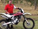 冠军车手Adam Riemann 测试 2010 胡斯瓦纳越野摩托车系列