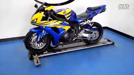 2006款蓝色本田Honda CBR1000RR实车视频