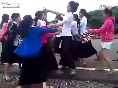 国外美女打架现场视频