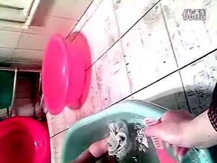 看美女洗澡