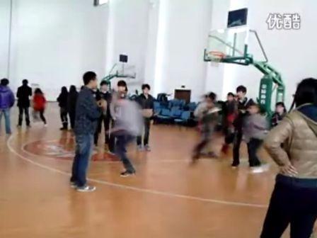 我们班跳长绳比赛的神速