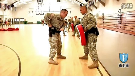 美国国民警备队甩棍教程