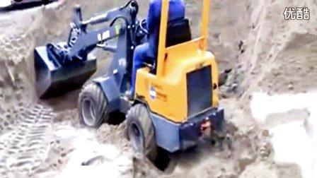 神技 玩具 挖掘机 装车工作视频 挖掘