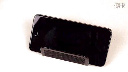 国外青年电击枪蹂躏 iPhone 6 Plus